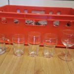 Diverse soorten glazensets geleverd in kratten