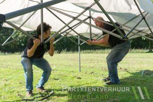Easy up tent opzetten in Groningen